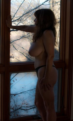 Najiha latina live escort in Clearfield